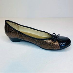 LifeStride Meg Flats Copper Gold with Black Patent